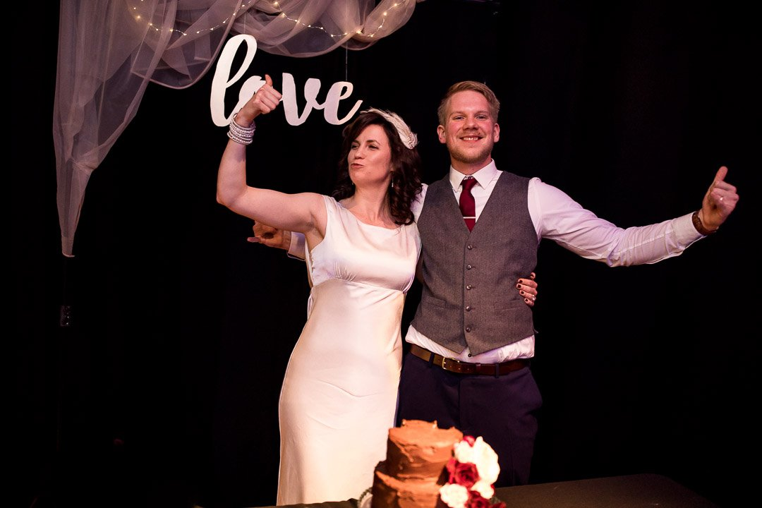 Circomedia wedding Bristol, cake cutting
