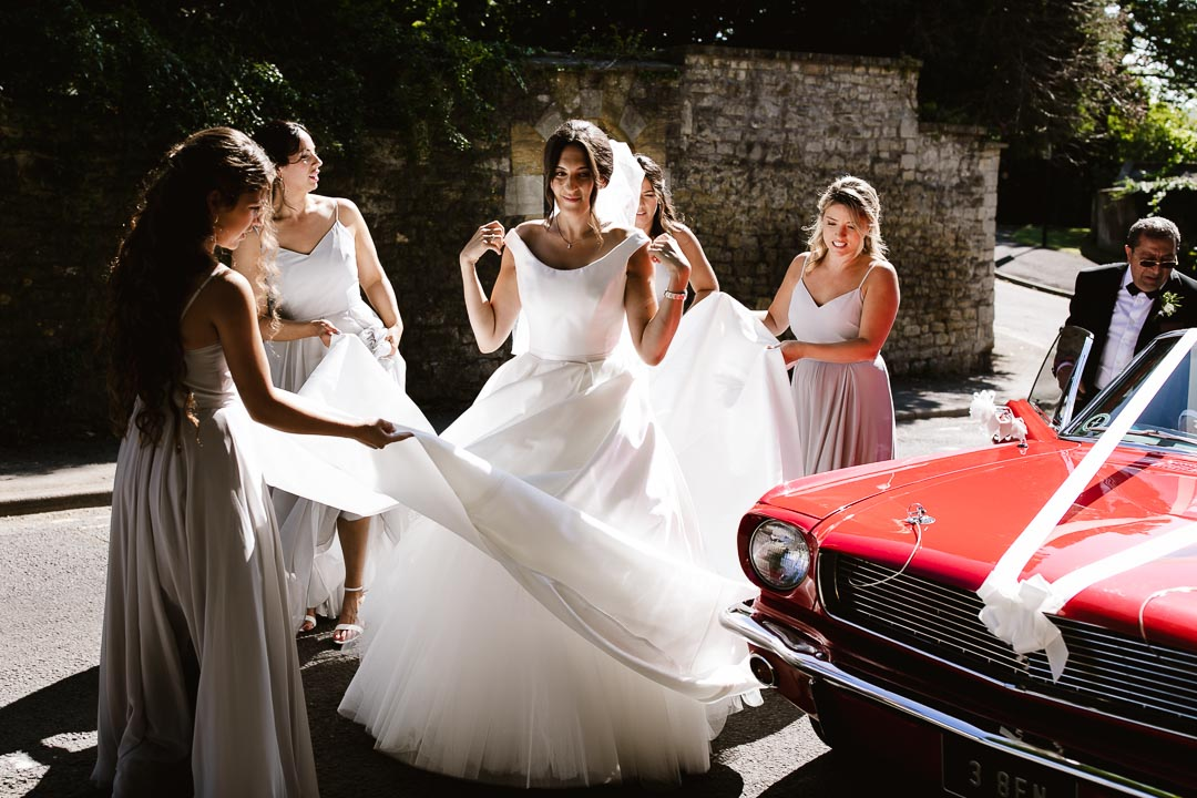 bride vacates car